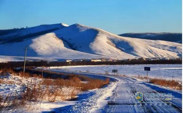 南方突降大雪,行车在外的你该如何应对?