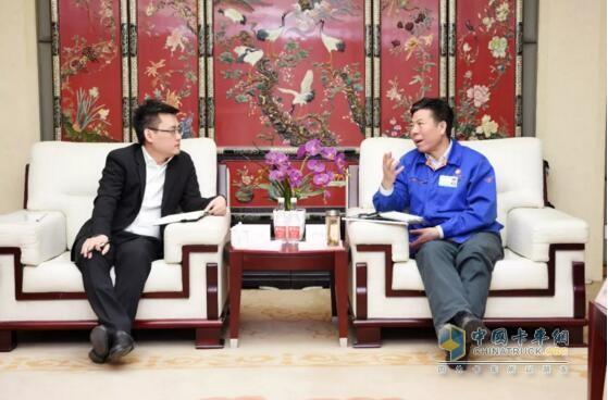 法士特集团董事长、党委书记严鉴铂会见华为公司西安企业业务部部长张峰