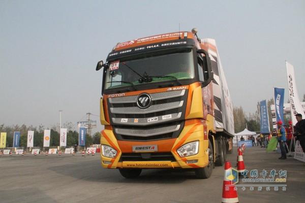 欧曼EST-A超级卡车让驾驶操作变得化繁为简