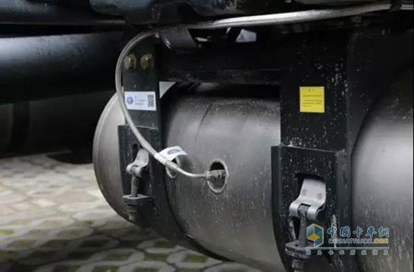 解放固体氨版j6p上海试销!快来看看不烧尿素的卡车长啥样
