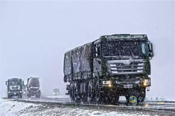 卡车冬季行车技巧