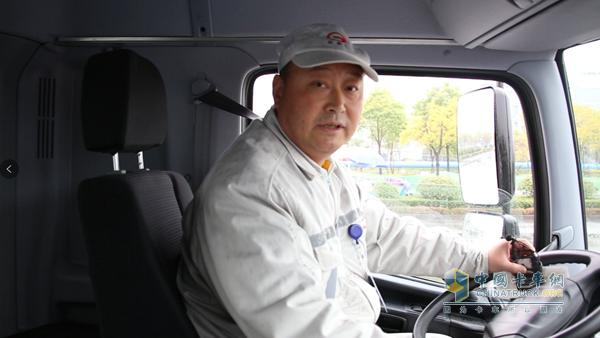 杭州君源车队驾驶员谢吉林