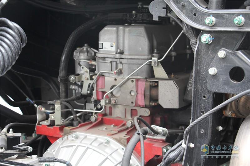 搭载日野P11C发动机