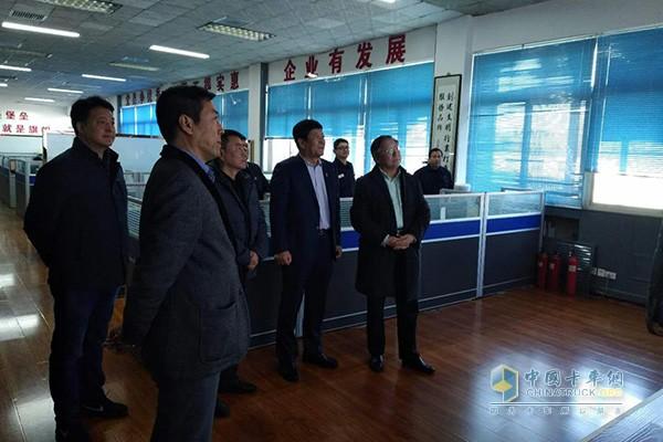 中国重汽走访天津安达并签署150台轿运车意向订单