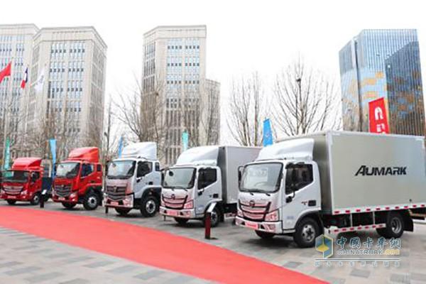 全新平台欧马可超级卡车