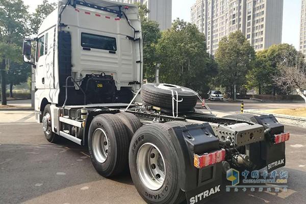 中国重汽商用车汕德卡智能卡车