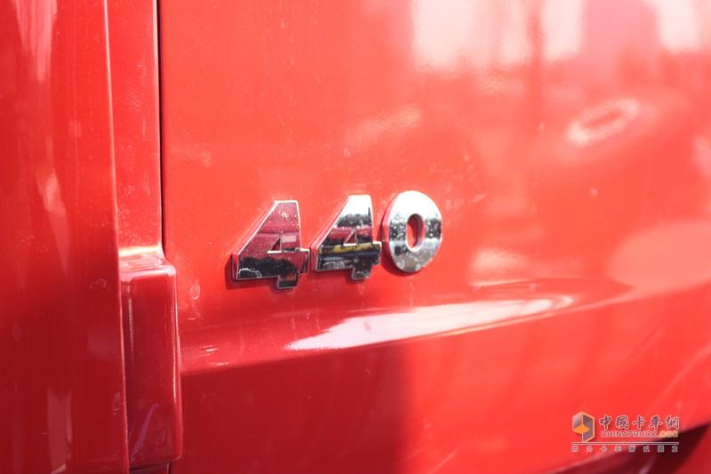 搭载的玉柴YC6K12柴油机和YC6K13燃气机,输出马力分别达到480马力和440马力