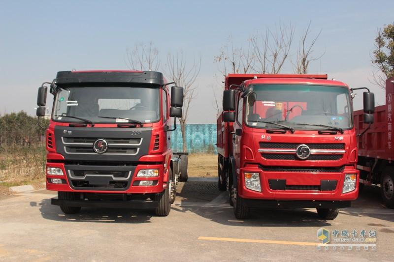陕汽轩德X6自卸车,搭载玉柴YC4E160-56发动机,经济型轻量化车型。