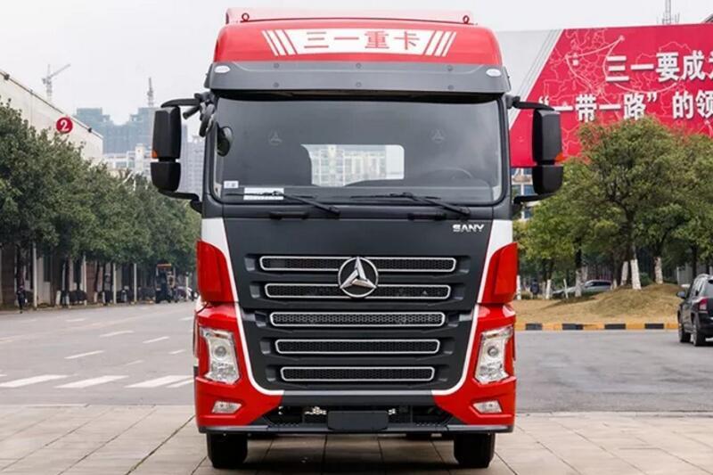 三一重工 6×4 500马力 牵引车 超大空间,房车般驾驶体验