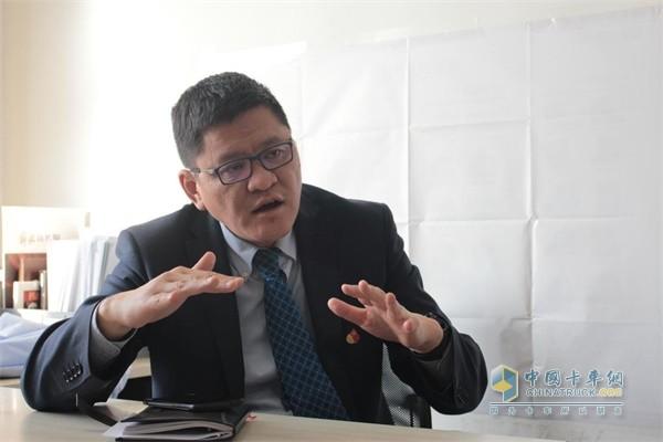 一汽解放汽车销售有限公司服务部部长支大峰先生