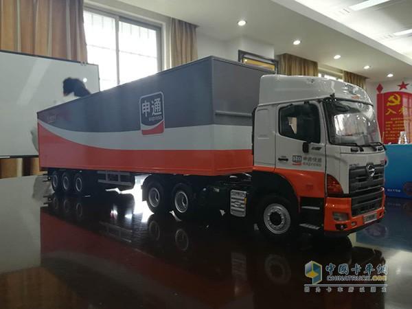 广汽日野为广东申通定制的700重卡车模