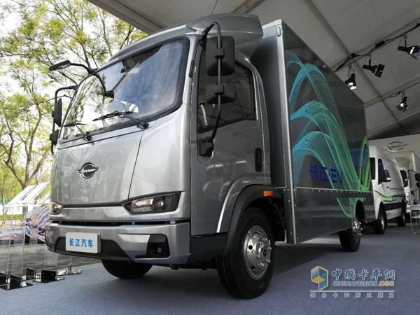 长江汽车纯电动物流车
