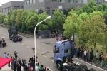 东风无人驾驶智能卡车演示网联协同编队
