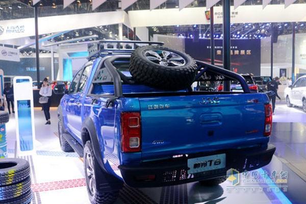 江淮帅铃T8拥有专业级的底盘系统,四驱动力强劲