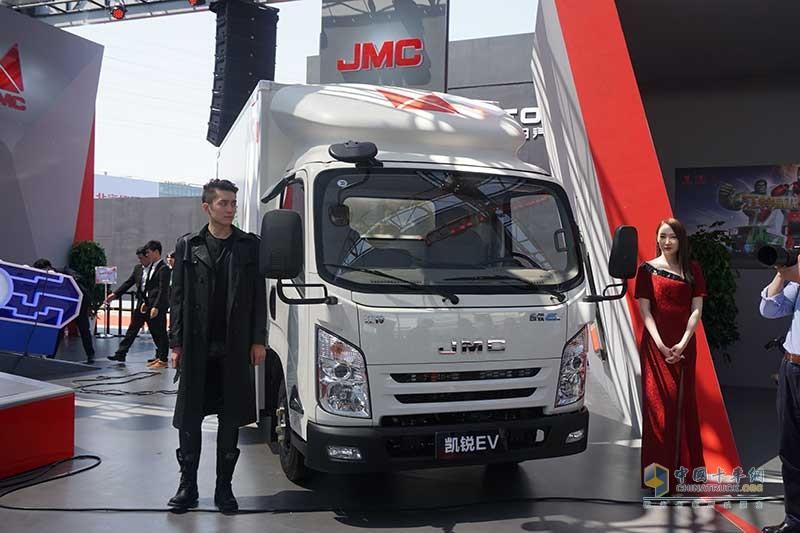 2018年北京车展江铃展位,两款重量级新车发布