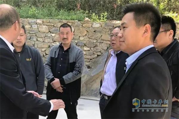 双利物流董事长张总对东风康明斯ISZ发动机称赞不已