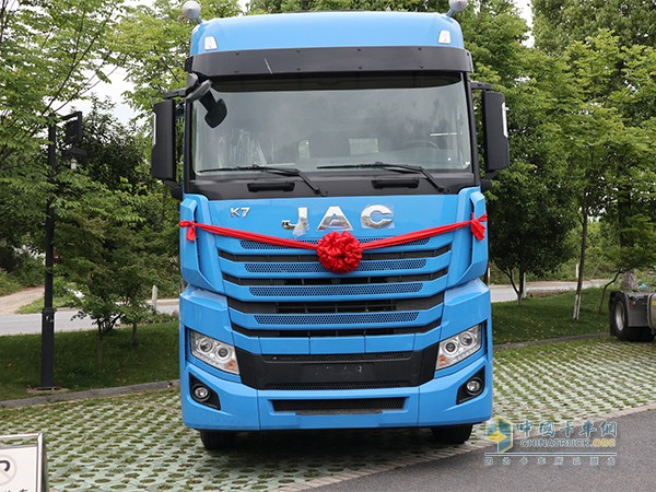 交付的江淮格尔发K7卡车