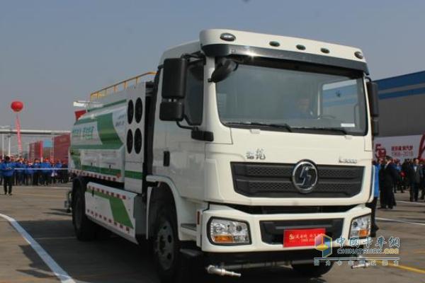 德龙L3000氢燃料环卫车