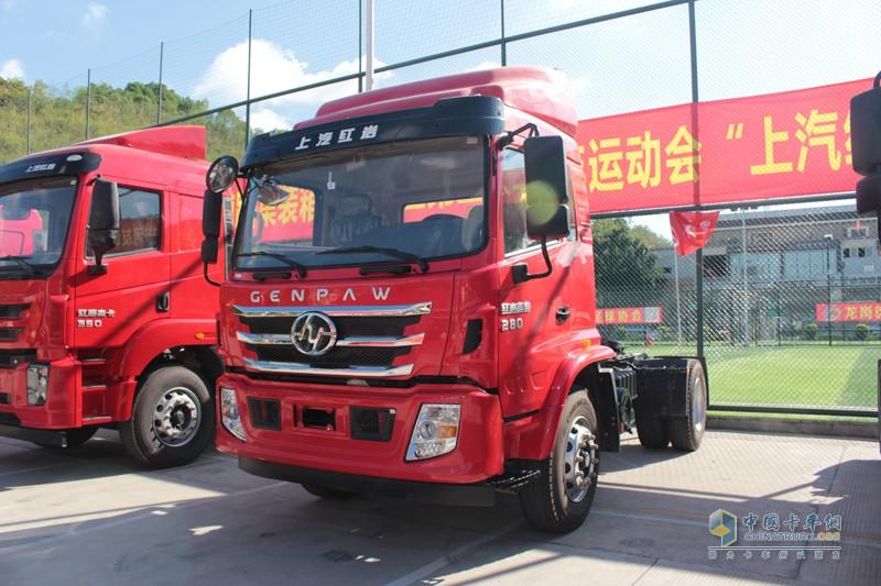 2018年5月25日,深圳市集装箱拖车运输协会迎来五届六次会员大会暨成立十八周年庆典活动