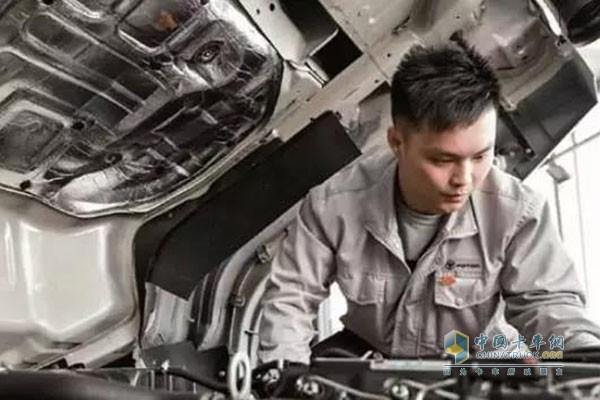 压缩机和膨胀阀故障 及时到4S维修