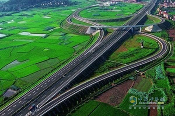 武汉至阳新高速公路8月动工 平均每公里造价1.38亿元