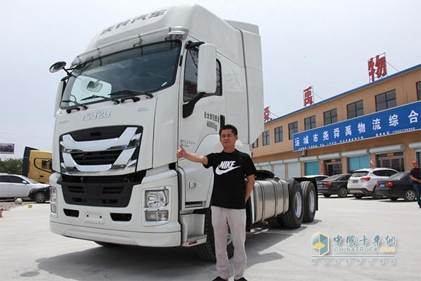 山西轩达汽车销售有限公司总经理侯锐