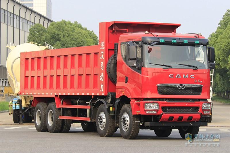 华菱重卡 375马力8×4 8.2米自卸车