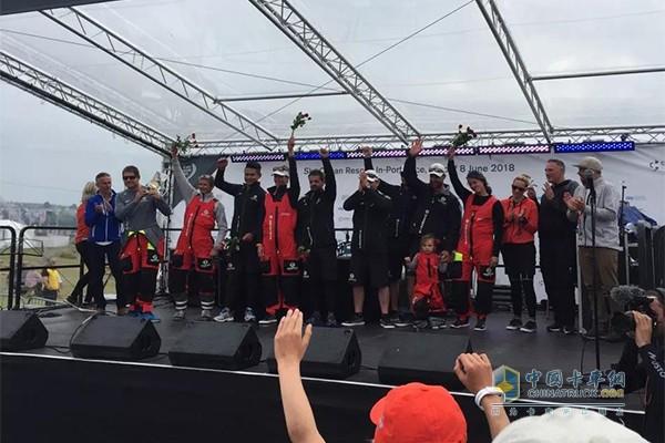 东风队获得沃尔沃环球帆船赛英国卡迪夫站港内赛第一名