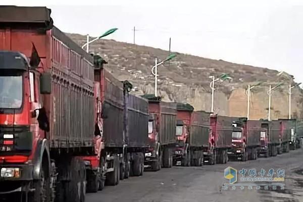 长春对货车超载超限的一律追查货源地