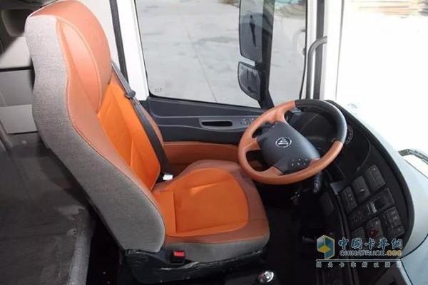 欧曼EST超级卡车驾驶室