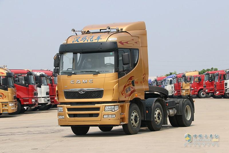 华菱汉马 H9重卡 420马力 6×2牵引车