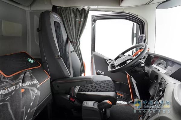 舒适豪华的驾驶室