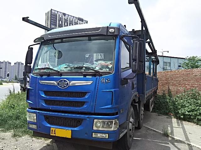 解放龙V6×2货车15年11月上牌国四排放7.7米可提档