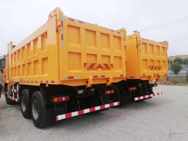 陕汽德龙X3000  375马力自卸车  5.6米中集大箱版