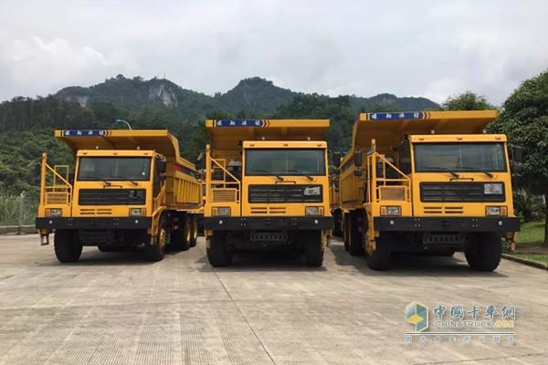 首批10台搭载联合动力K12发动机的蓬翔矿用车交付越南客户