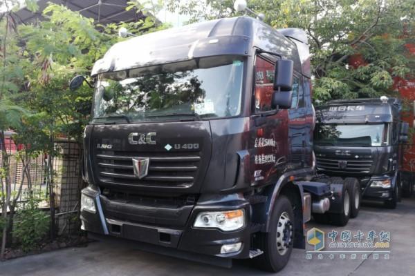联合卡车 U系400马力6×4 LNG国五牵引车