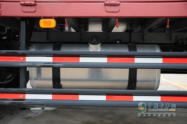标配200L铝合金燃油箱