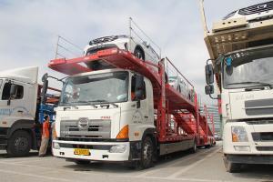 广汽日野 700系列重卡 300马力 4X2轿运车(平顶)(YC1180FH8JW5)