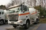 联合卡车U350 350马力 6X4 混凝土搅拌车底盘