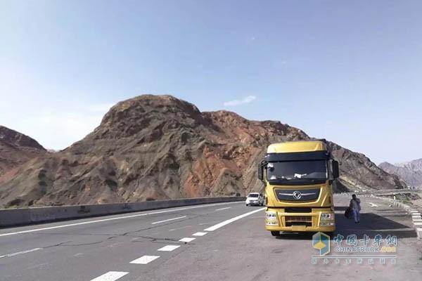 卡车新疆沿途风景