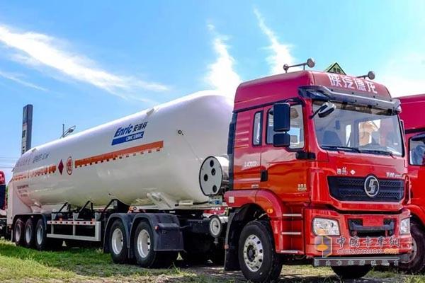 陕汽德龙新M3000|高性价比、轻量化、经济的危化品运输车