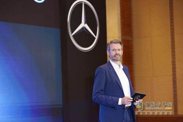 戴姆勒卡客车(中国)有限公司CEO Ralf Kraemer科锐铭先生发表讲话