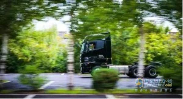 福田戴姆勒欧曼超级卡车