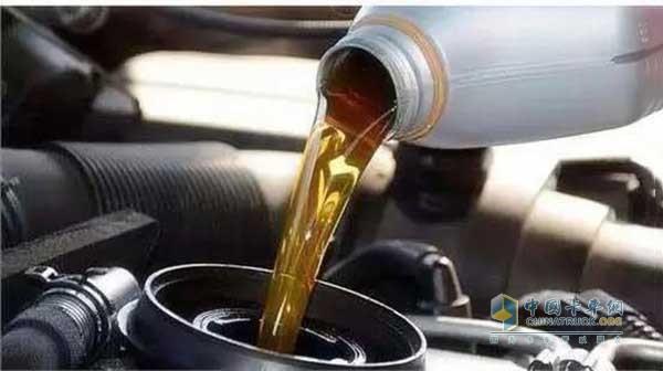 用机油也要更换机油滤芯