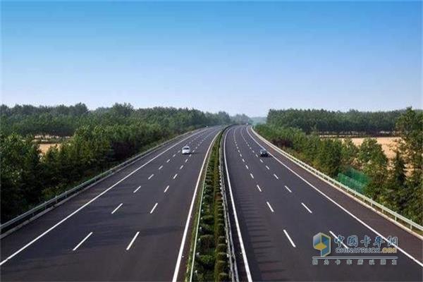 11月起四川多条高速路段在施工
