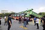 保卫蓝天 献礼广西60周年大庆--第1500台豪沃智能渣土车交车