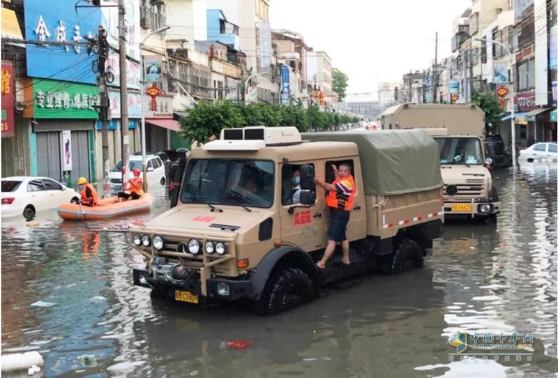 2018年潮汕暴雨洪水灾区救援乌尼莫克在现场
