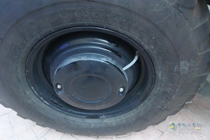 每个轮胎都配有自动充放气功能