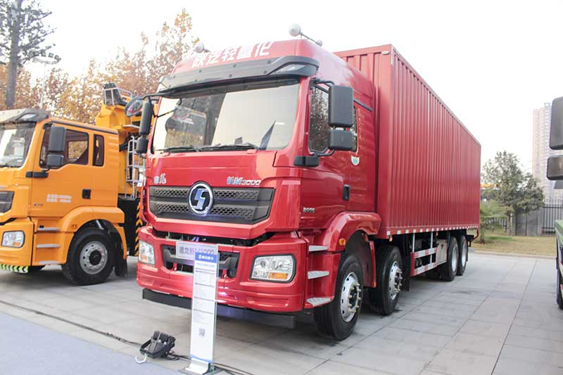 陕汽重卡 德龙新M3000 430马力 8X4 12米绿通版载货车