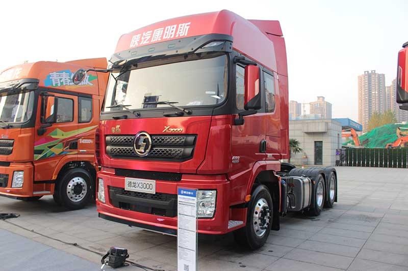 陕汽康明斯 德龙X3000 600马力 6X4 IC版 牵引车